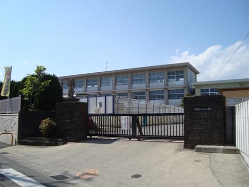 裾野西小学校