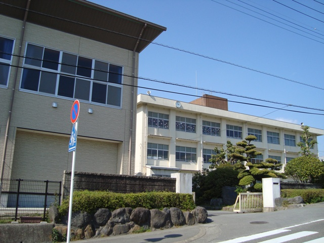 裾野西中学校